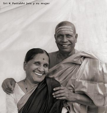Guruji and Saraswathi Jois