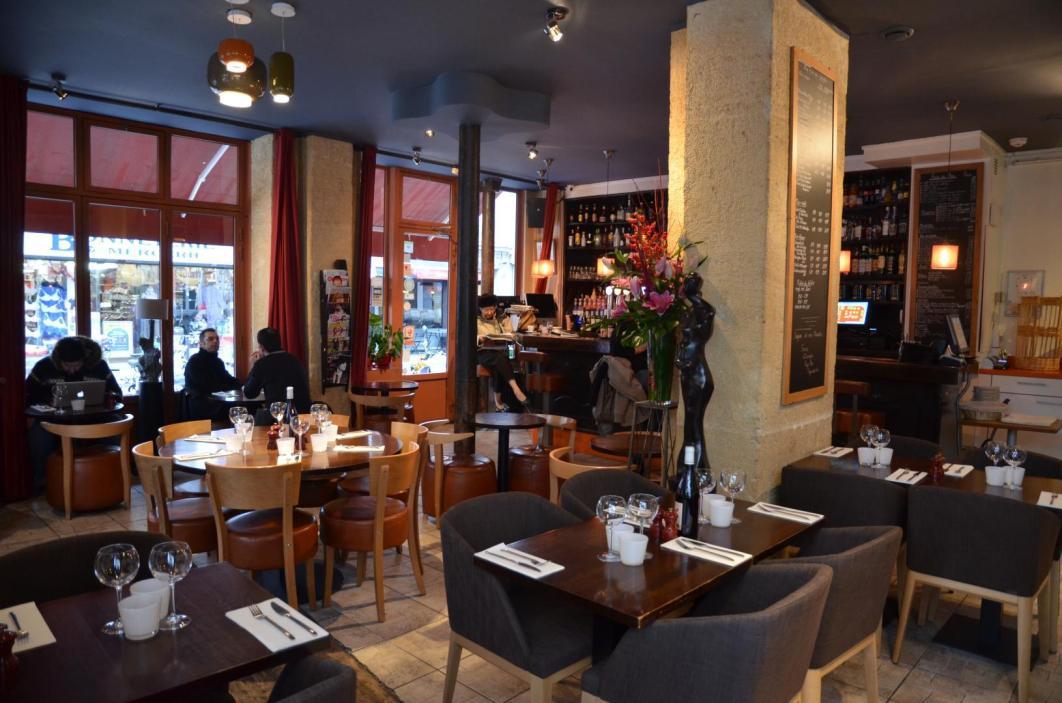 cafe les artistes paris 4